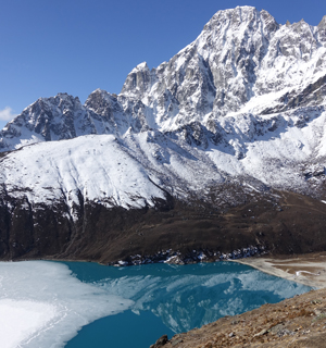 20 Days Gokyo Valley Chola Pass Trekking